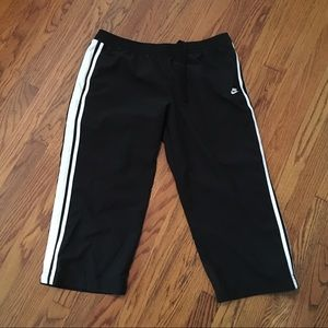 Nike Sportswear size large capris